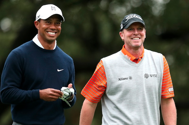 Steve Stricker Advises Tiger Woods on His Putting