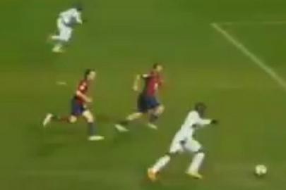 Mario Balotelli (AC Milan) 2-0 vs. Genoa