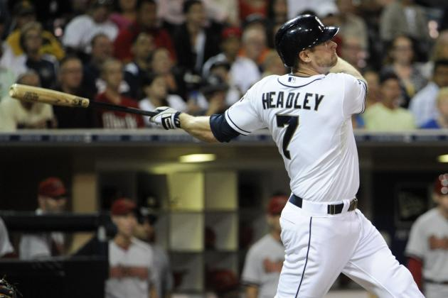 Pros and Cons of Yankees Trading for Chase Headley to Fix Offensive Problems