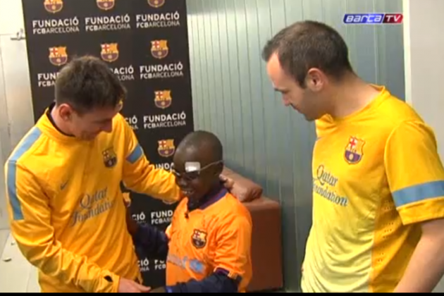 Video: Blind Kid Mamadou Visits Barca, Able to Identify Most Players by Touch