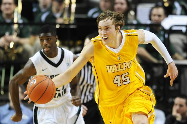 VIDEO: Ryan Broekhoff Sends Valpo to the Horizon Title Game at the Buzzer