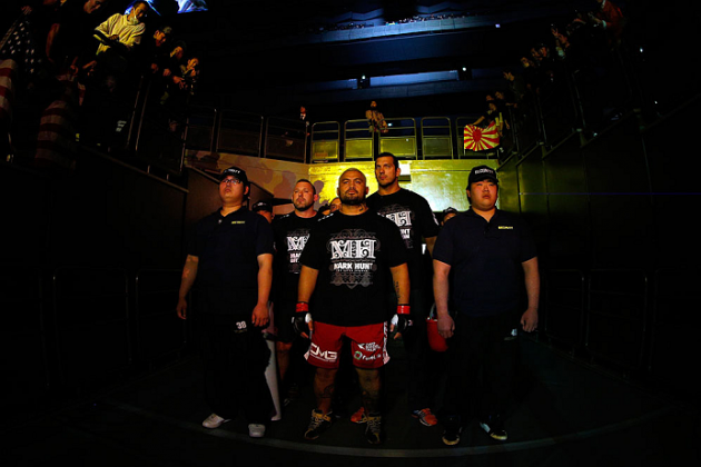 Does Mark Hunt Stand a Chance Against Junior Dos Santos at UFC 160?