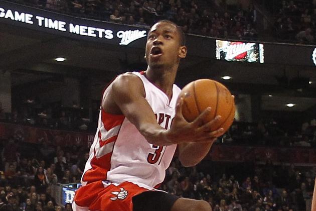 Raptors Beat Cavaliers, with Help from Rookies Ross, Valanciunas