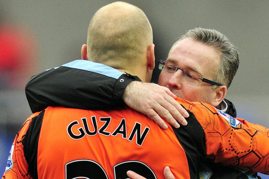 Aston Villa Boss Paul Lambert Hails Fantastic Form of Brad Guzan