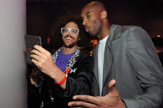 Kobe Bryant, Dwight Howard, Mike D'Antoni Attend Lakers Casino Night (PHOTOS)