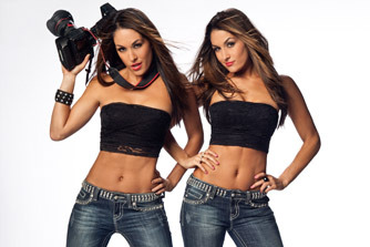 WWE Raw: Returning Divas Nikki and Brie Bella Take to Twitter