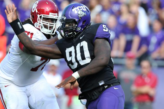 Maponga Prepping for NFL Draft with Family in Mind