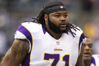 Vikings Re-Sign OT Phil Loadholt