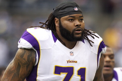 Phil Loadholt, Minnesota Vikings Strike Contract