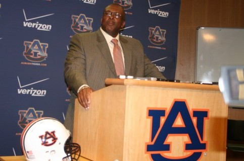 New Auburn Football Coaches Choose to Work with a Clean Slate