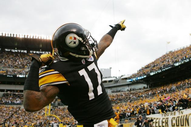 Mike Wallace Signs with Dolphins: Will Wes Welker Look for Gold over Glory?