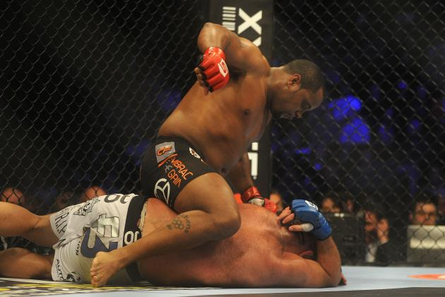 Daniel Cormier Picks Mark Hunt over JDS and Chris Weidman over Anderson Silva