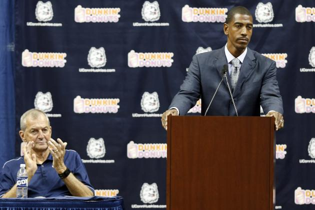 Jim Calhoun, Kevin Ollie Teaming Up on Basketball Camp