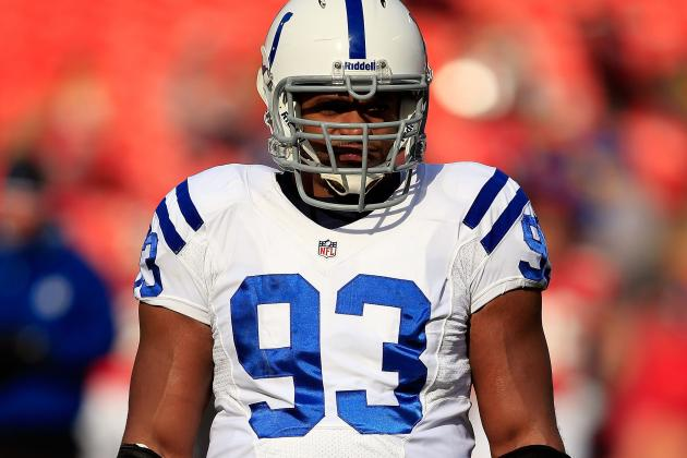 Report: Pats Hosting Freeney and Abraham for Visits
