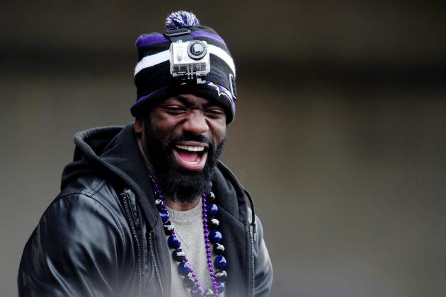 After Night Out in Houston, Ed Reed Back in Texans' Offices