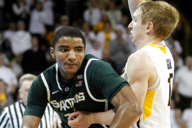 No. 8 Michigan State Beats Iowa 59-56