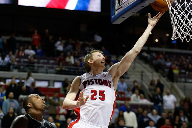 Pistons' Kyle Singler Keeps One Eye on His Game, One on Brother E.J. Tonight