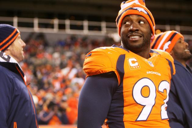 Elvis Dumervil Would Prefer to Remain with Broncos
