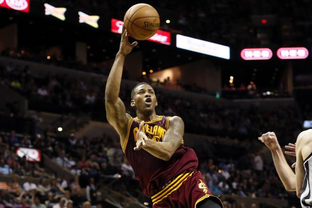 Spurs 119, Cavaliers 113: Points Guards Sit out but Others Put on Show