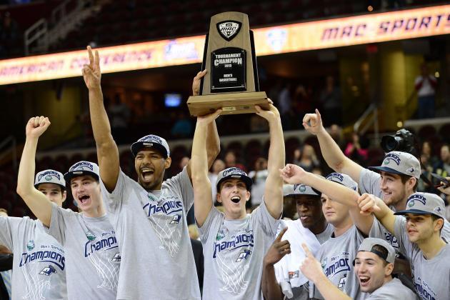 MAC Championship Game: Akron Shuts Down Ohio to Take MAC Crown