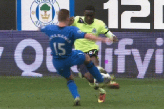 McManaman Commits Horror Tackle Against Newcastle
