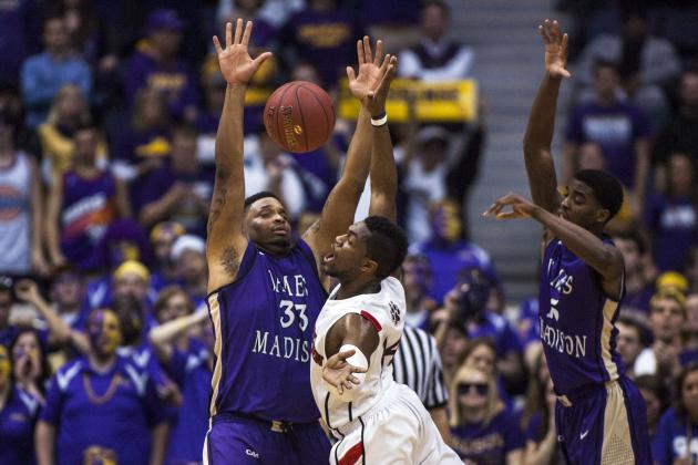 Goins Suspended for First Half of NCAA Tournament Game