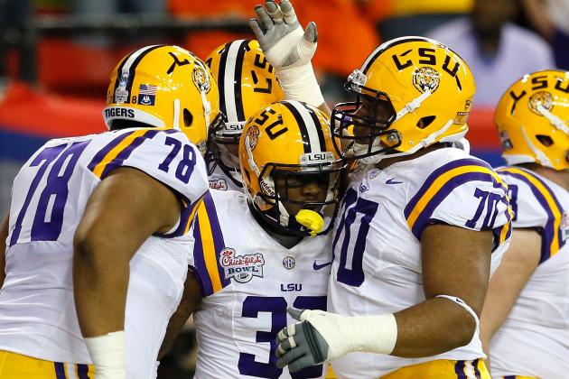 LSU Left Tackle La'El Collins Slides Right Back into Character