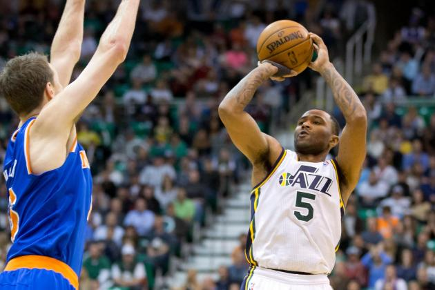 Short-Handed Knicks Beat Jazz