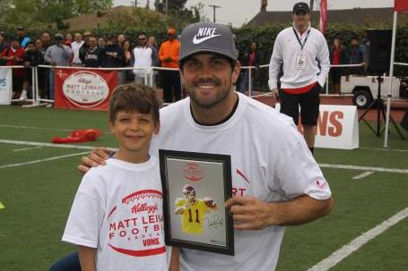 Heisman Winner Matt Leinart Helps Feed and Educate Kids at Camp