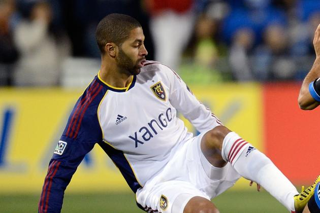 Report: Knee Injury Puts Alvaro Saborio in Doubt for US-Costa Rica Clash