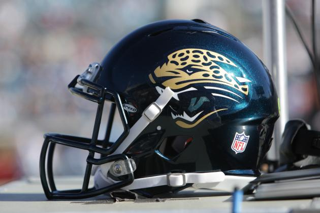 Gay Jaguars Fan Petitions Team to End 'Kiss Cam'