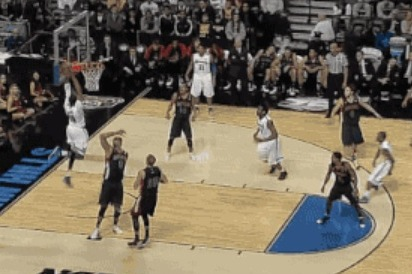 Stephens Throws Down Huge Dunk