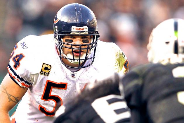 Breaking Down What Brian Urlacher Still Offers at This Point in His Career