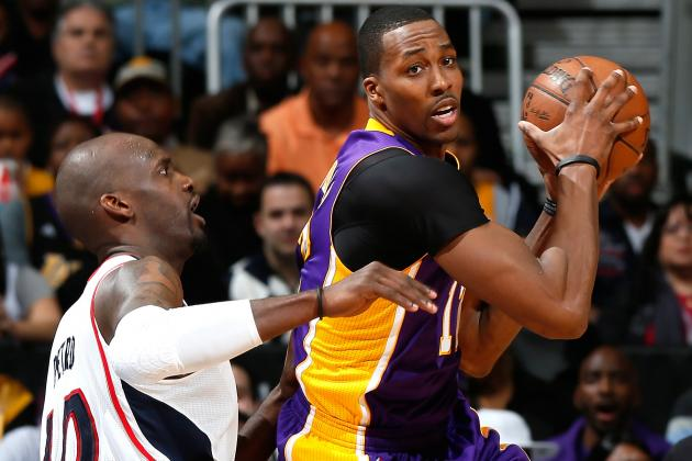 Dwight Howard Surprises Fans at LAX, Talks Lakers' Health