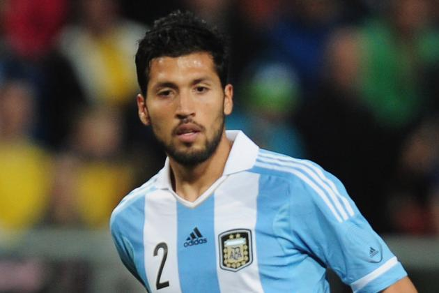 Ferguson Eyes Argentine Defender Garay