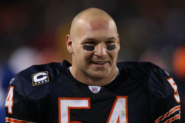 Denver Broncos Should Sign Brian Urlacher in Low-Risk, High-Reward Wager