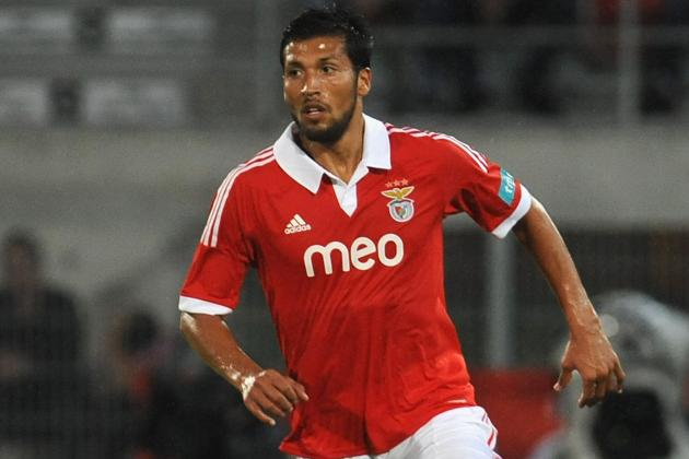 Fergie Hopes to Win Race to Sign Highly-Rated Defender Garay