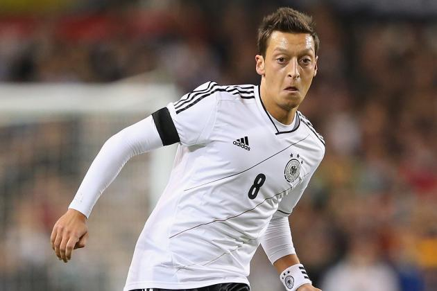 Ozil Praises Germany's Versatility