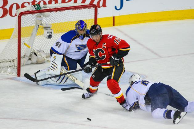 Iginla Scores Winner to Help Flames Edge Blues
