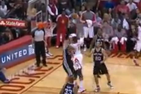 Greg Smith Throws Down on Tiago Splitter (VIDEO)