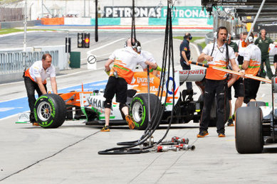 Force India Won't Drop Wheelnut System