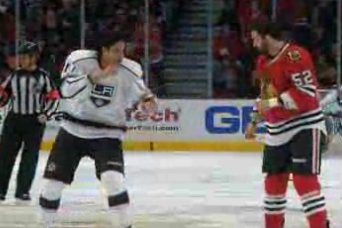 Video: Blackhawks' Bollig Fights Kings' Nolan
