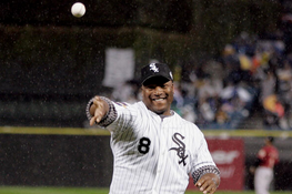 Bo Jackson to Throw out First Pitch at White Sox Opener
