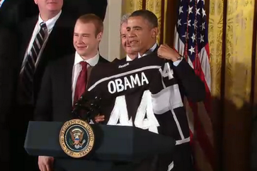 Image: Brown Gives Pres. Obama a Kings Jersey
