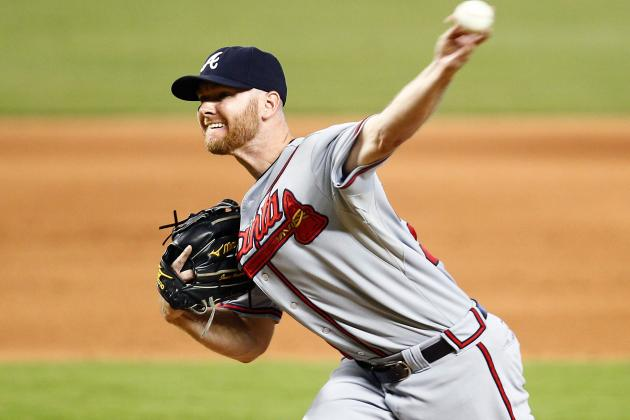 Jonny Venters Leaves Game with an Elbow Strain