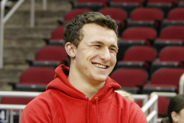 Manziel Leaving Twitter to Avoid 'Distractions'