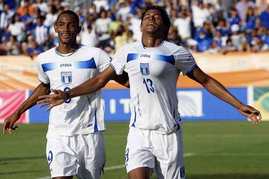 Panama Beats Honduras 2-0 to Keep World Cup Dream Alive