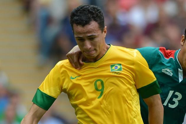 Napoli Want Tottenham Target Leandro Damião to Replace Cavani