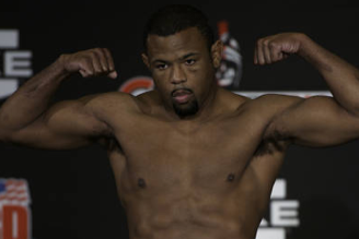 Emanuel Newton Wants to Prove He's No 'One-Trick Pony' After KO of King Mo Lawal