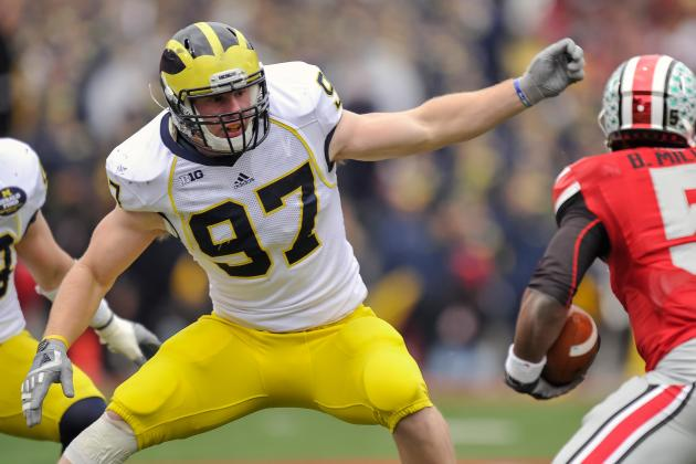 Michigan Moves Beyer to LB for Depth